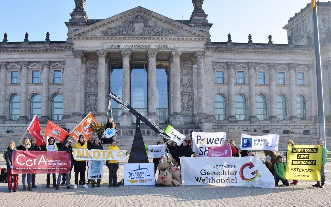 """Start der gemeinsamen europaweiten Kampagne """"Menschenrechte schützen – Konzernklagen stoppen!"""""""